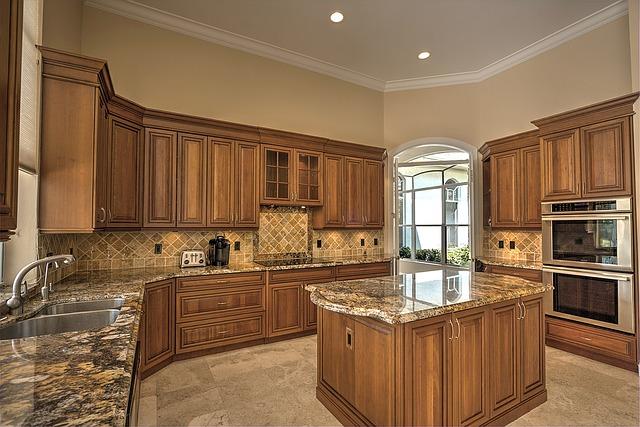 prostorná rustikální kuchyně