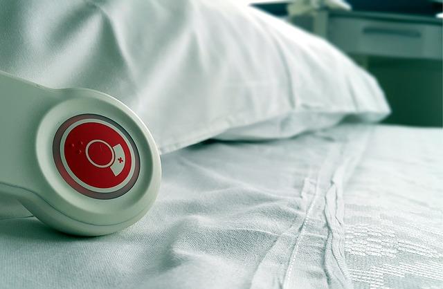 detail lůžka v nemocnici