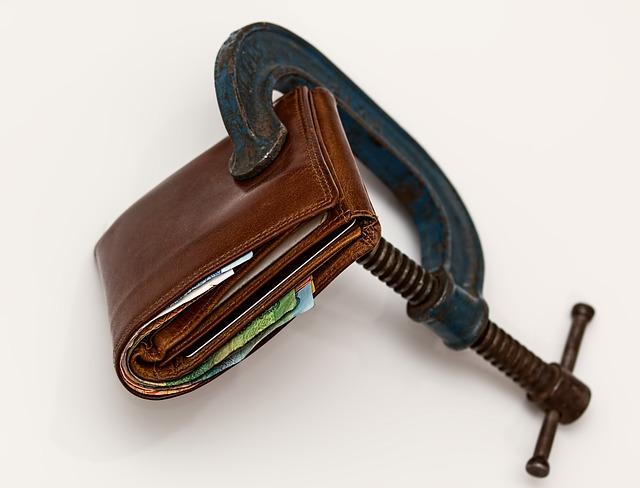 svěrák s peněženkou