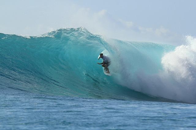surfing a muž.jpg