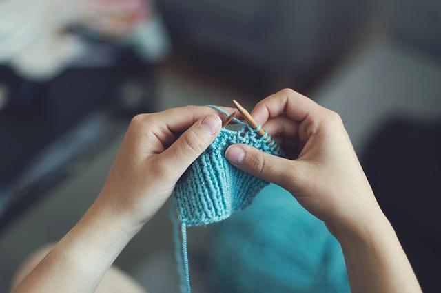 ruce a pletení.jpg
