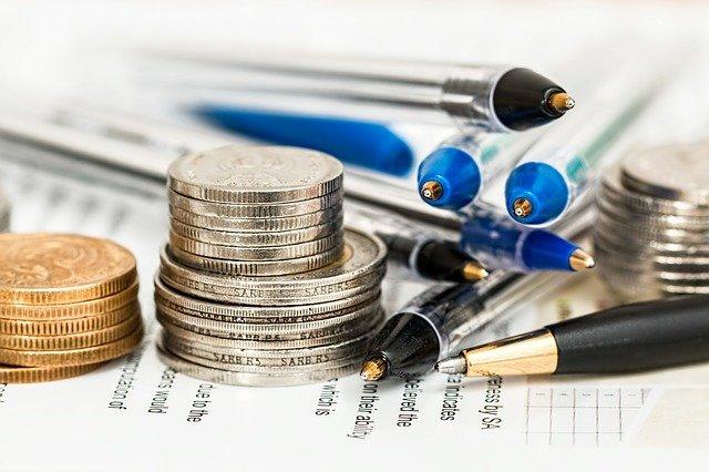 dokument, mince a tužky