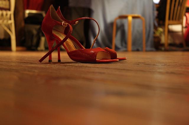 taneční boty na vysokém podpatku