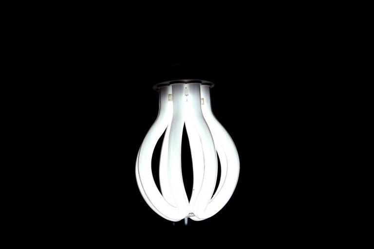 zářivka ve tmě
