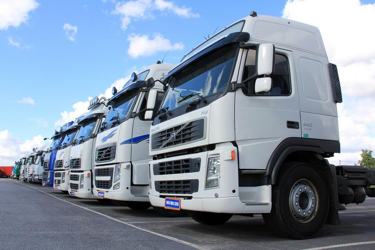 moderní kamiony