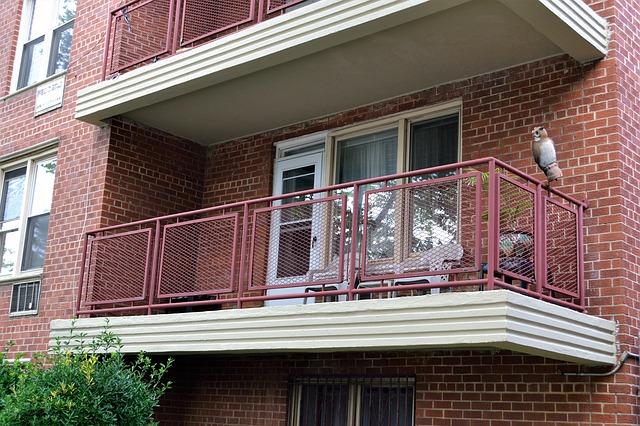 Balkon v bytovém domě